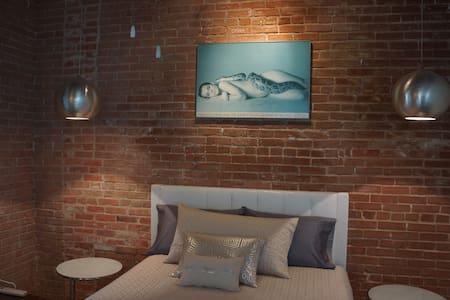 """Suite 16"" in Blackbird Lofts"
