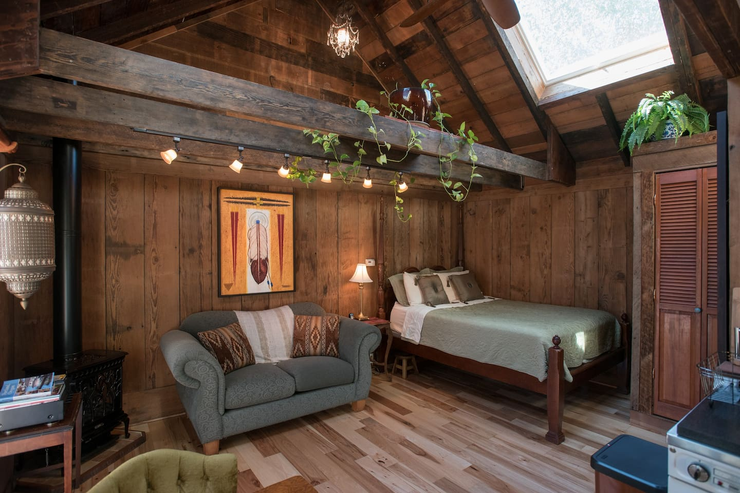 magic barn best budget hotels in portland
