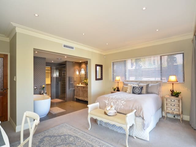 The Suite @ Mindarie Marina