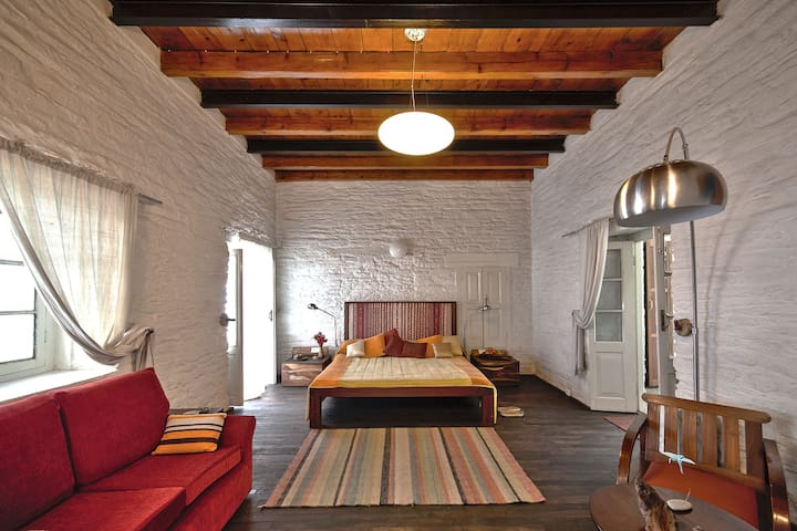 Jilling Terraces Full House - South Gola Range - Dom