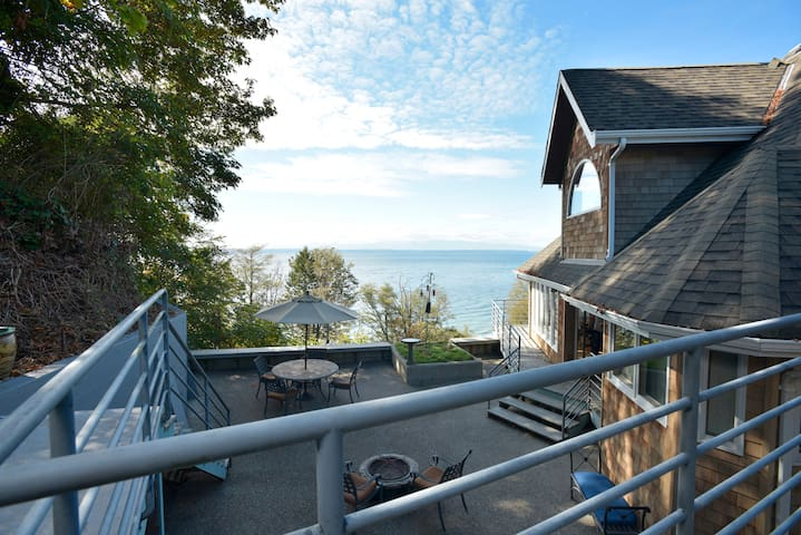 Beachfront House Spectacular Views - Edmonds - Hus
