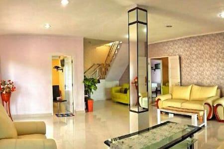 Private 5 Bedroom Villa in Bangka