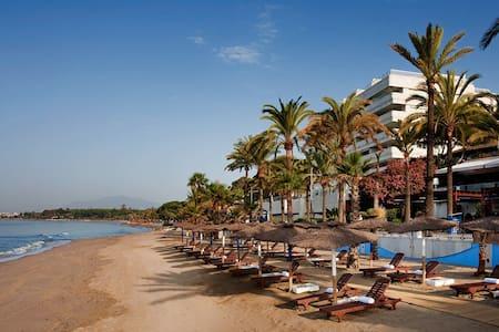 MARBELLA CITY BEACHFRONT W SEA VIEW - Marbella