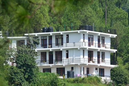 Luxury Rooms (Room Only) - Kasauli - Wikt i opierunek