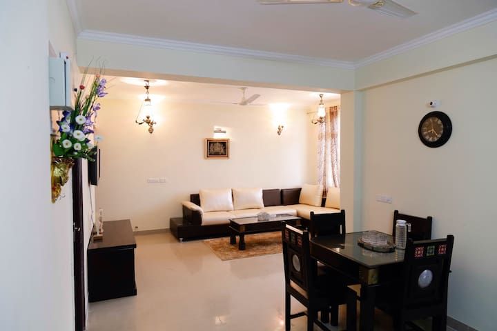 Royal Luxury Stay In Jaipur - Jaipur - Leilighet