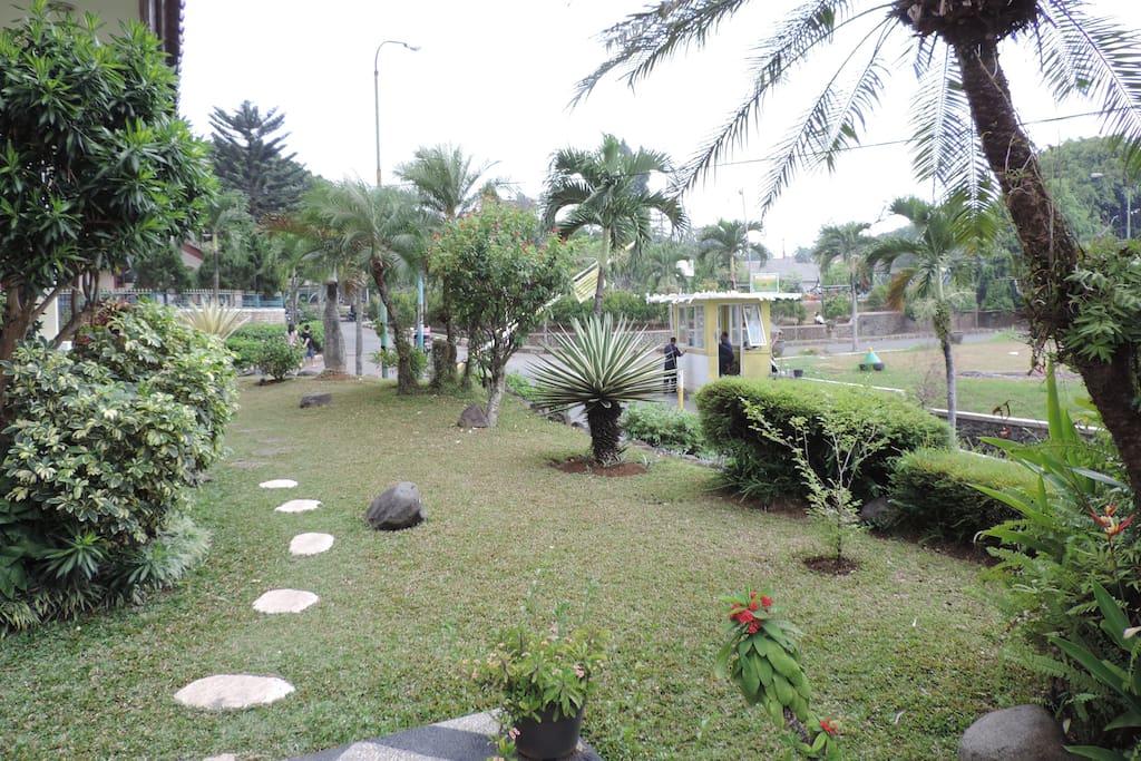 Front yard of Rumah Kang Indra