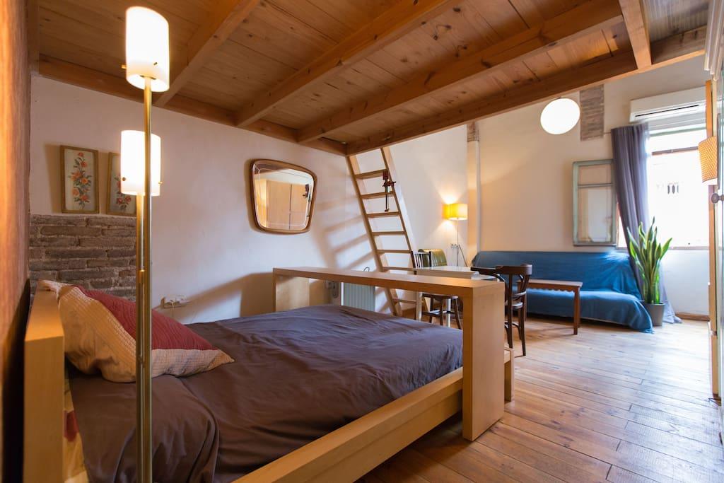 Apartamento en centro hist rico in barcelona catalunya spain - Apartamentos en barcelona booking ...