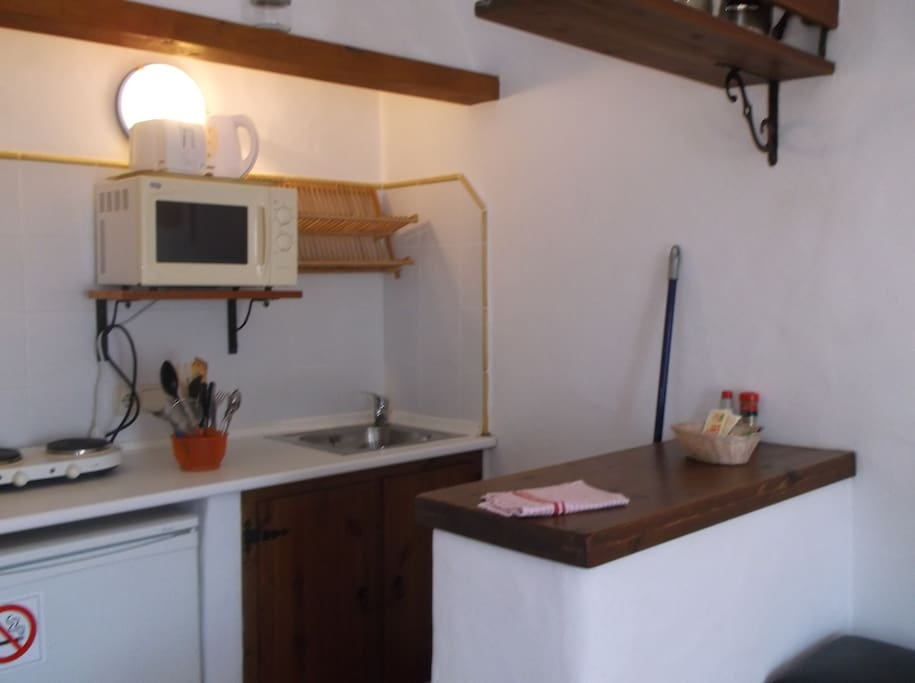 Kitchenette for studio 2