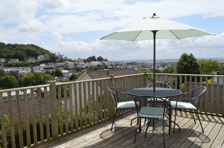 Modern 2 bedroomed cottage with stunning views