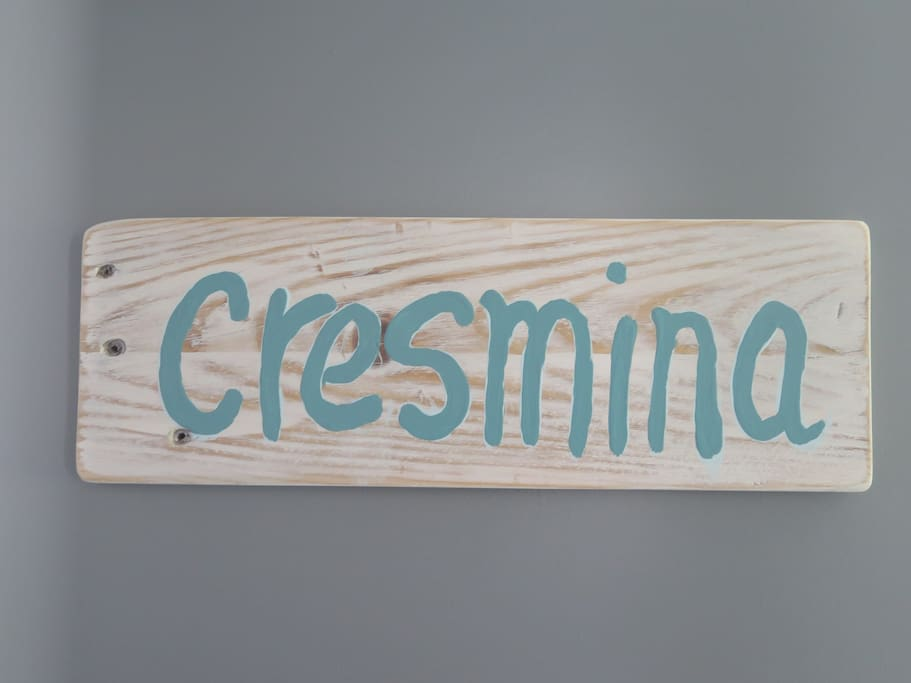 Cresmina Room