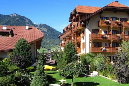 Hotel Luna Mondschein - Sankt Ulrich - Bed & Breakfast