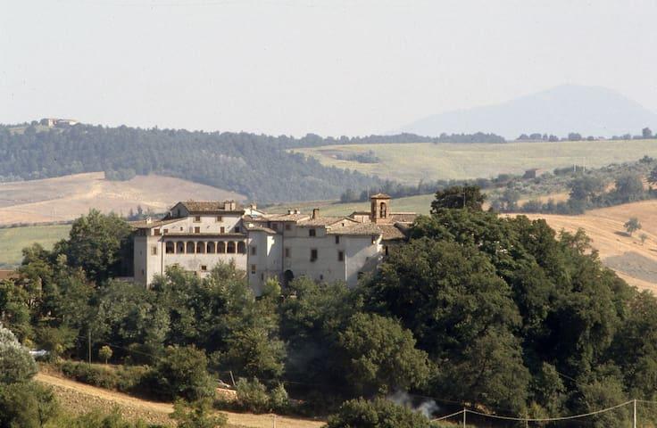 Il Castello di Rosceto | La Loggia - Rosceto
