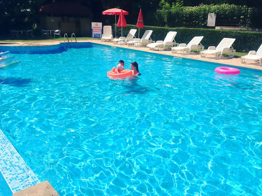 Funny moments around the pool