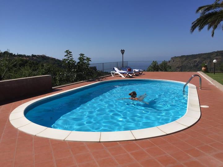 Villa Gisella with private pool, real privacy