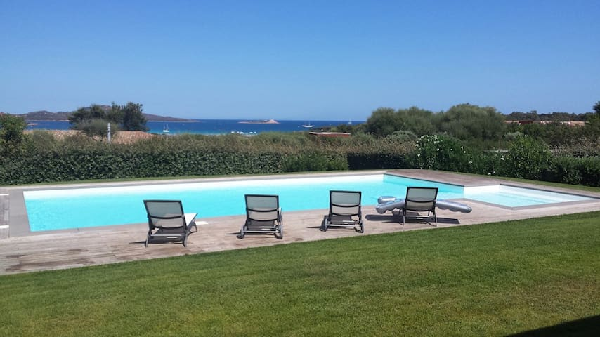 Villa Nicoletta, Sea View, Swimming Pool & Jacuzzi