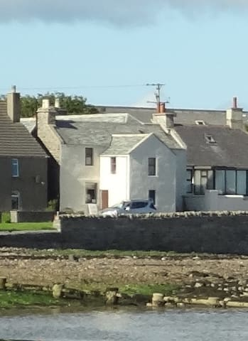 Shore house on Seafront-Vindlyse,  St Mary's - Orkney