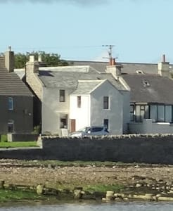 Shore house on Seafront-Vindlyse,  St Mary's - Apartment