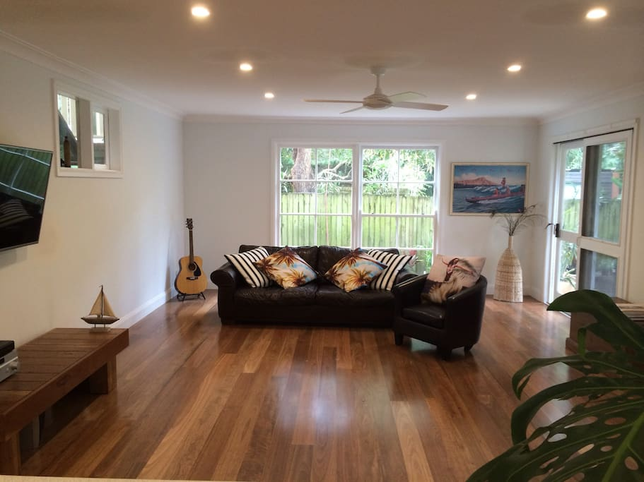 Escape from the kids with this huge separate lounge/ rumpus room with flat screen tv, second kitchen or bar area and toilet downstairs- opens to large deck, garden and outdoor entertaining area!