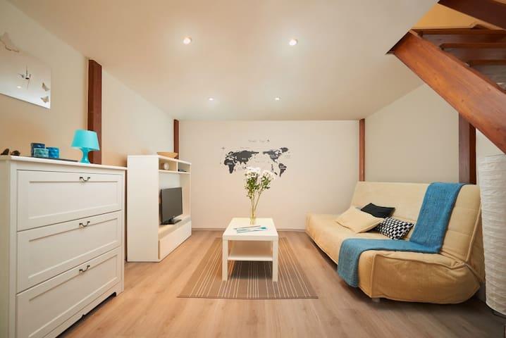 WIFI & CENTRAL cozy apartment