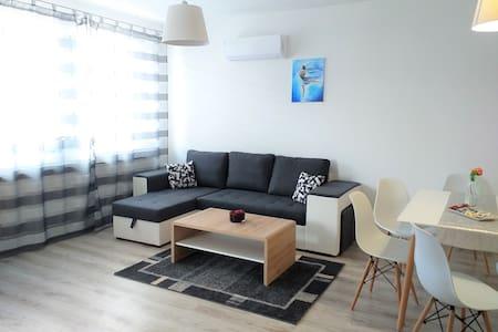 Hatvan Corner Apartments, DOWNTOWN