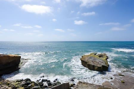 Spacious Ocean-Front Villa#8 - サンディエゴ