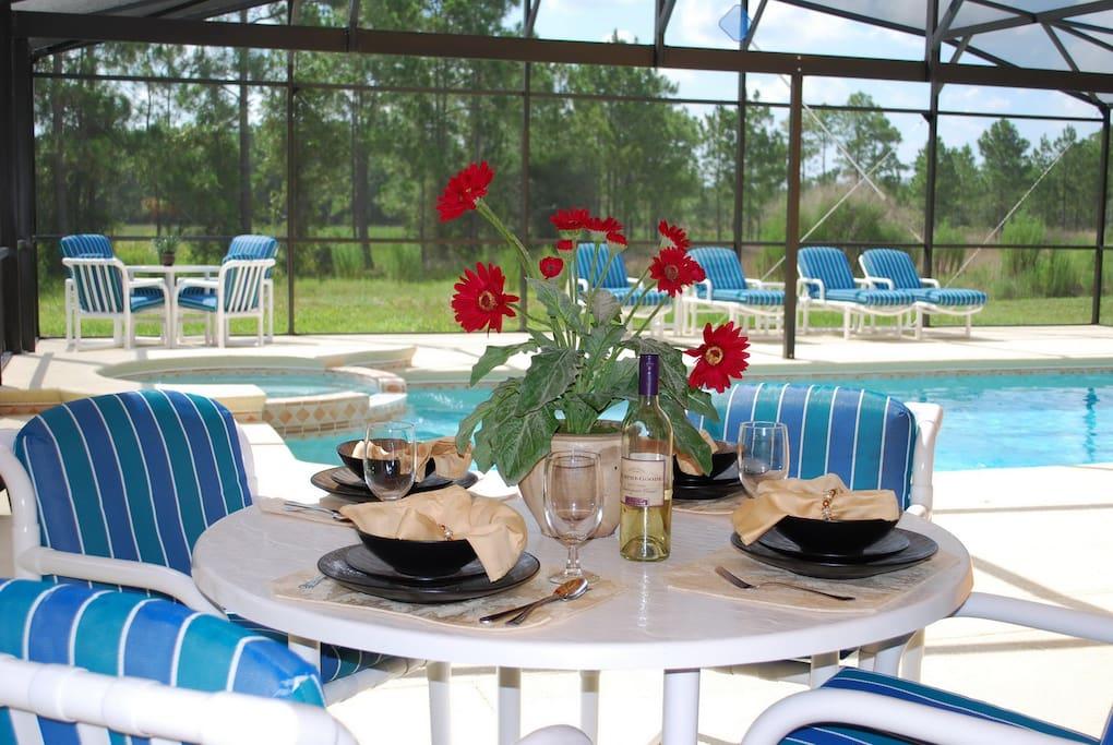Stunning pool and al-fresco dining