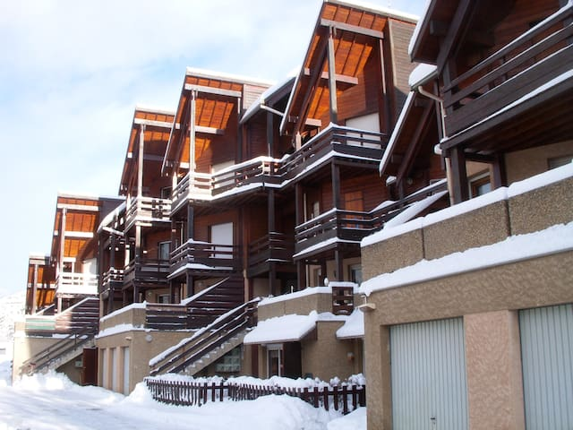 appartement serre chevalier 1300 flats for rent in brian on provence alpes c te d 39 azur france. Black Bedroom Furniture Sets. Home Design Ideas
