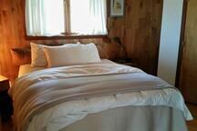 your confortable pillow top queen bedroom