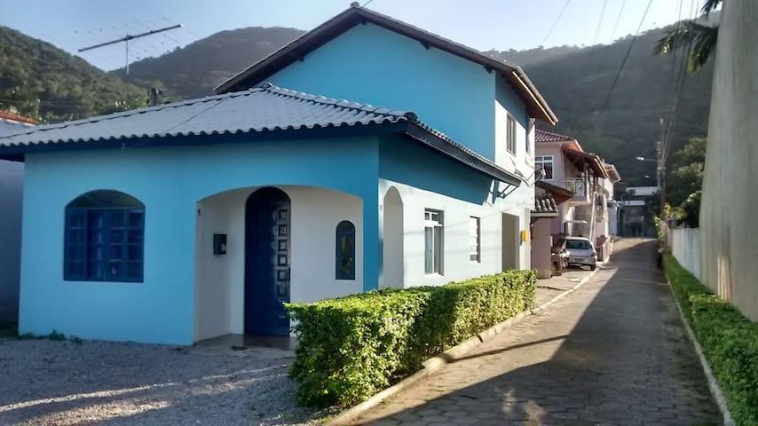 Praia da Armação - Florianópolis SC - フロリアノポリス