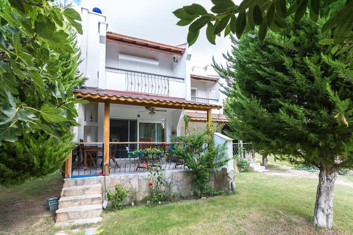 Perfect location with swimming pool - Çeşme - Willa