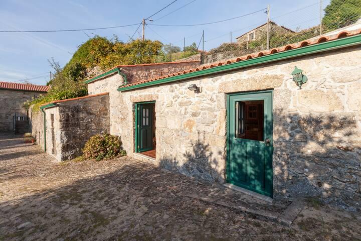 Casa do Tojal (with swiming pool) - Paredes de Coura - House