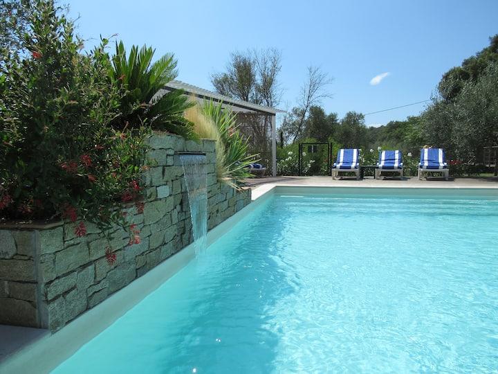 ClaireJo, L'Olivier,  3 pers  piscine ,prox plage