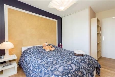 Chambre à louer dans 3 pièces 70m2 - Cachan - Bed & Breakfast