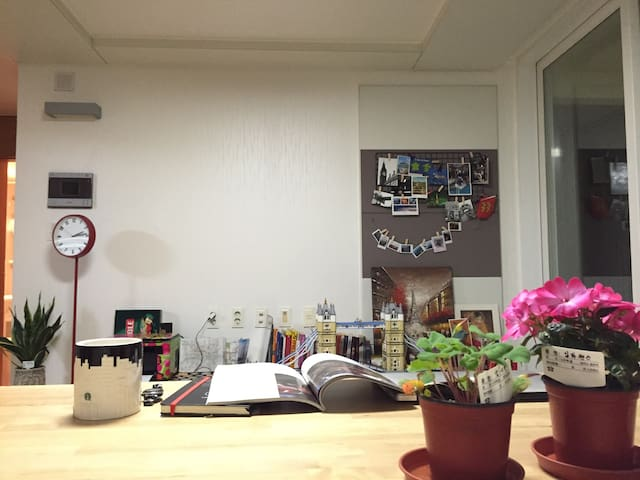 Pine tree beach - A double bed room - Gangneung  - Apartament