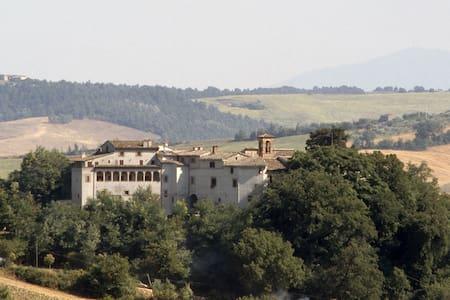 Il Castello di Rosceto | La Dimora - Rosceto