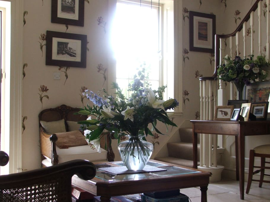 Guest sitting room, next to the breakfast room