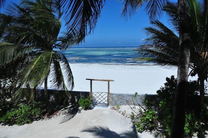 ZanziBlue Oceanfront Private Beach Villa - Matemwe - Villa