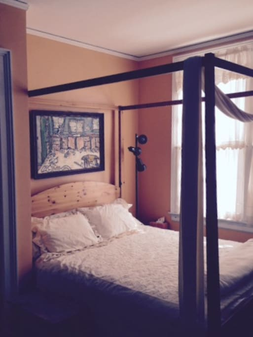 Peach Room--Queen Size Bed