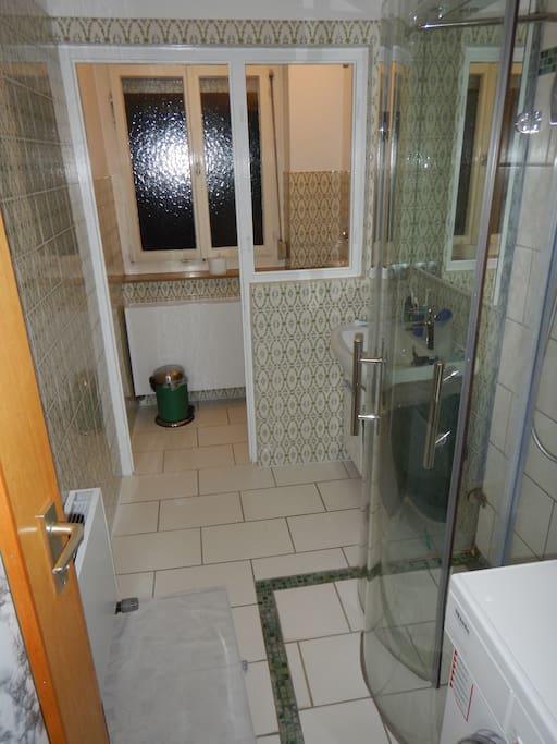 Badezimmer(gemeinsame Benutzung)