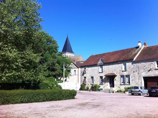 Belle chambre  à la campagne - Beauchery-Saint-Martin - Casa