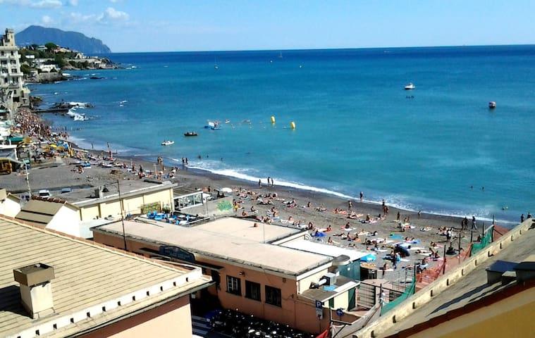 pieds dans l'eau (Genova Sturla)
