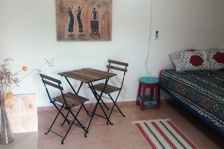 Cozy apartment in our peaceful yard - Ein Yahav - Apartemen