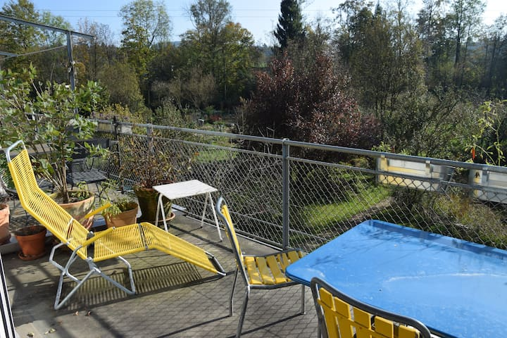 family friendly, in a huge garden! - Emmen - Apartment