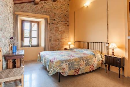 """Room """"Le Api"""" at the Farmhouse B&B - Perugia - Bed & Breakfast"""