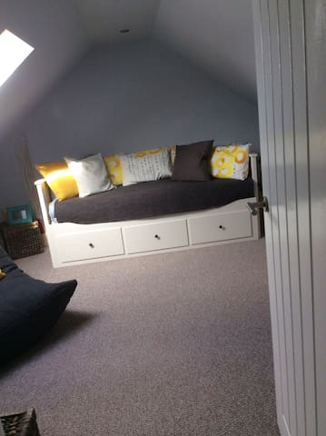 3 bed roomed house near centre!! - Rumney