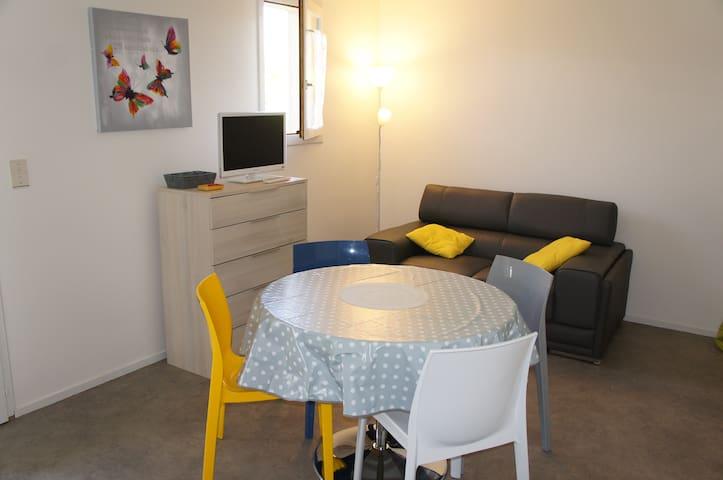 STUDIO PROCHE DU CENTRE DE JONZAC - Jonzac - Appartement