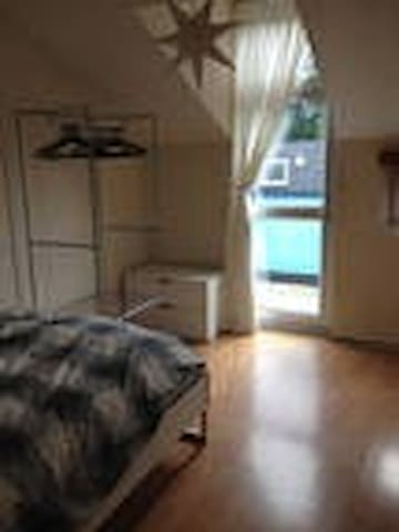 Cute twin room in rural bolton maisons louer for M s bedrooms bolton