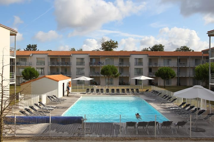 Appartement cosy et climatisé | Centre Bien-être, piscine, et plus !