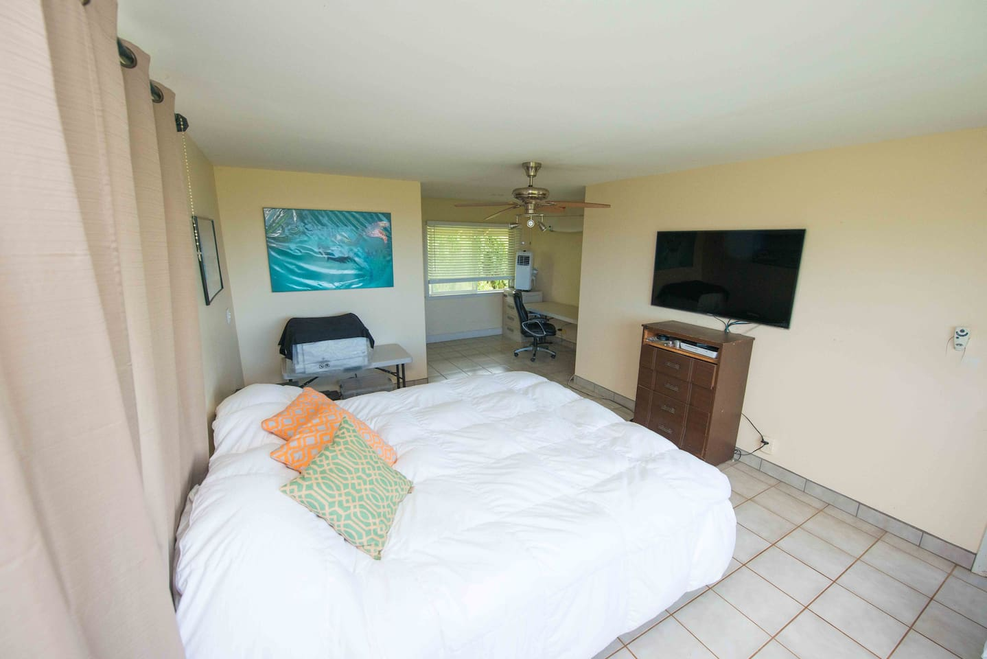 extra large room 50 quot led tv houses for rent in haleiwa
