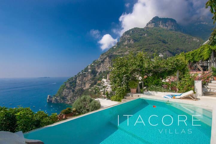Central Positano Villa, private pool and sea views